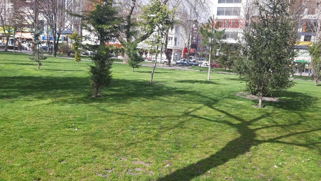 2020/04/1586104913_afyon_imaret_camii_bahcesi_(1).jpeg