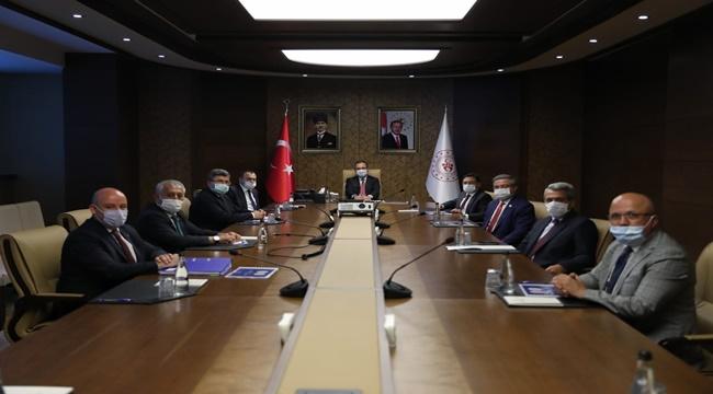 2020/07/1595497269_ak_parti_afyon_ankaraya_gitti_(1).jpeg