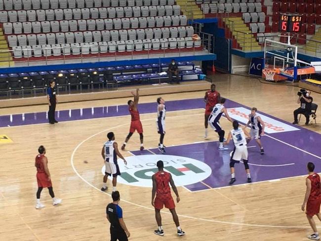 2020/09/1601210171_afyon_belediye_basketbol_gaziantep_maci_3.jpg