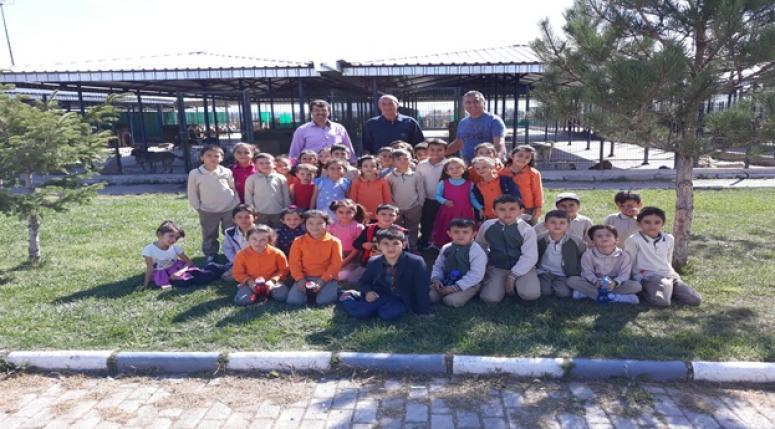 Minik Öğrencilerden Hayvan Barınağına Ziyaret