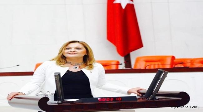 """Milletvekili Av. Burcu Köksal """"Avukatlar kürsüde eşitlik istiyor"""""""