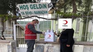 Kızılay Afyon İl Başkanlığı yardımlarına devam ediyor!