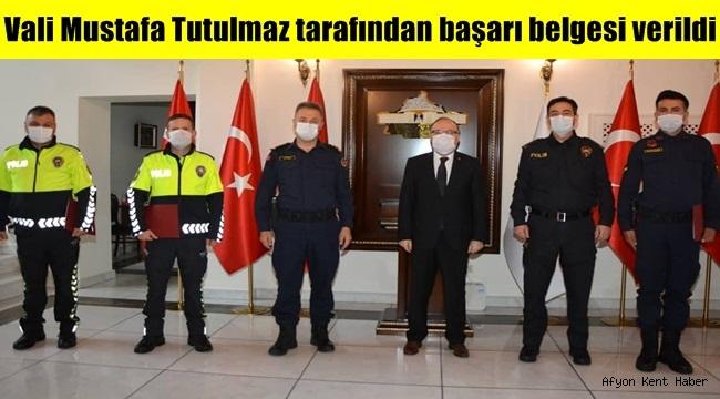 Vali Mustafa Tutulmaz tarafından başarı belgesi verildi