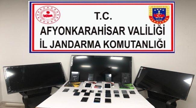 Afyon'da Cep Telefonu dükkanına baskın !