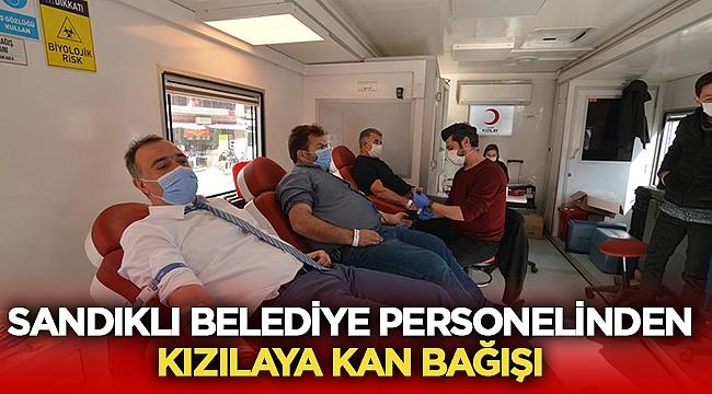 Sandıklı Belediyesi Kızılay'a destek olmaya devam ediyorl