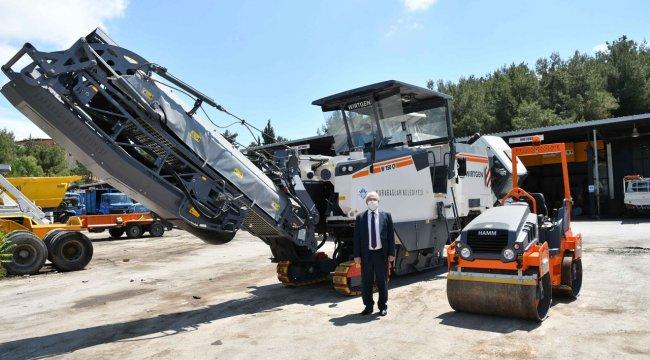 İzmir Karabağlar'da asfaltlama muhteşem