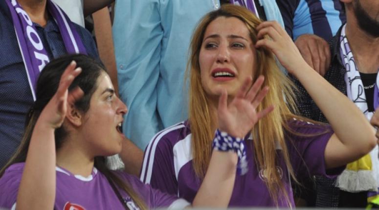 Afjet Afyonspor taraftarlarında sevinç gözyaşları