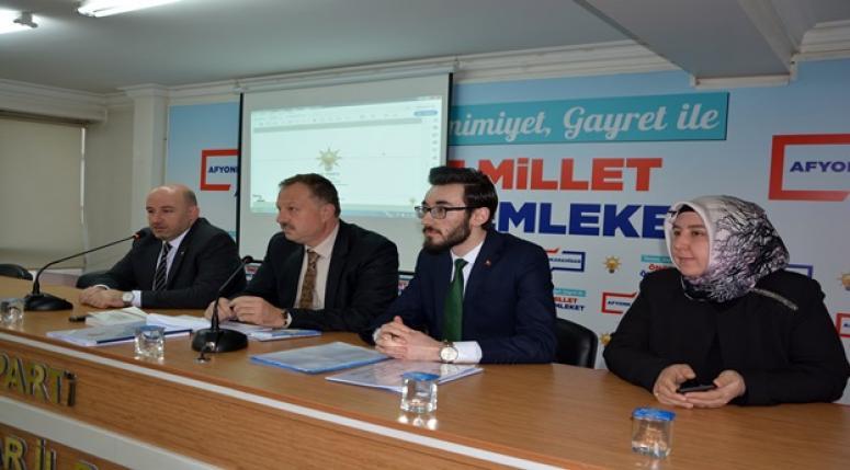 AK PARTİ'DE 'SEÇİM ÇALIŞMALARINI DEĞERLENDİRME' TOPLANTISI YAPILDI