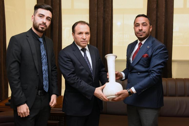 Prof. Dr. Mehmet Karakaş ziyaretçilerini kabul etti