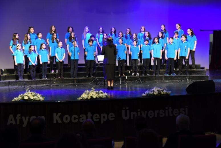 Kocatepe Üniversitesin'de Ulusal Çocuk Koroları Şenliği