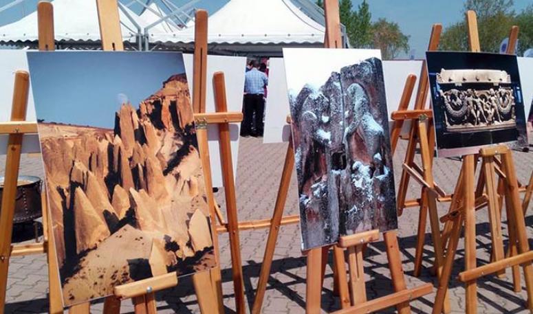 Afyon Kocatepe Üniversitesinde iki ayrı sergi