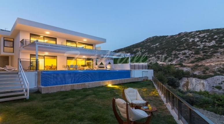 Antalya'nın En İyi Tatil Bölgesi Kalkan & Kaş'da Muhafazakar Villa