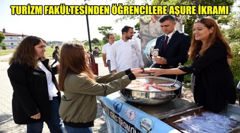 Akü Turizm Fakültesinden öğrencilere şifalı Aşure İkramı !!