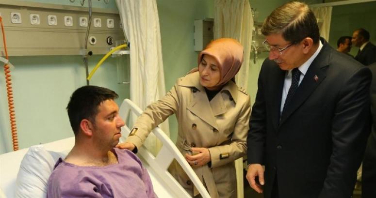 """Başbakan Davutoğlu """"Milletinize, ülkenize, devletinize güveniniz"""""""