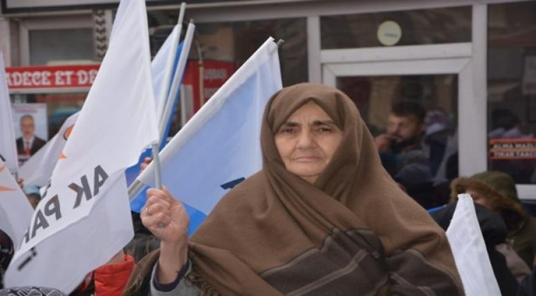 Bolvadin'de Seçim bürosu açılışına yoğun ilgi