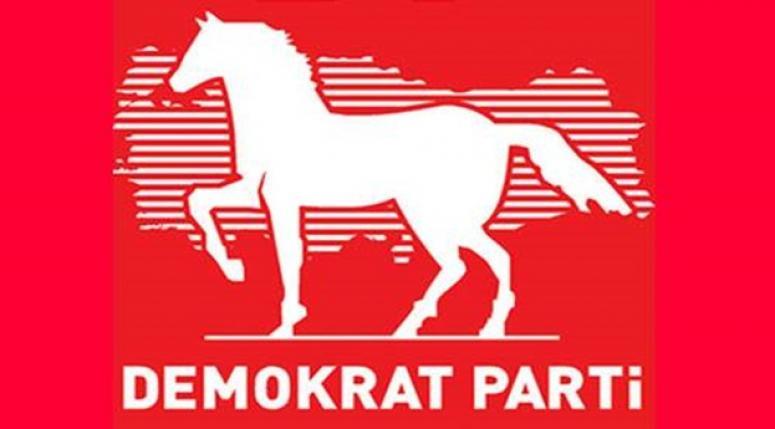 'Türkiye Demokrasiye Geçiyor' sloganıyla demokrasi deklarasyonu !!