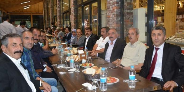 Dinar Belediye Personelinden teşekkür yemeği