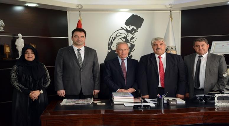 Afyonlu Gazetecilerden Belediye Başkanı Saffet Acar'a Nezaket Ziyareti