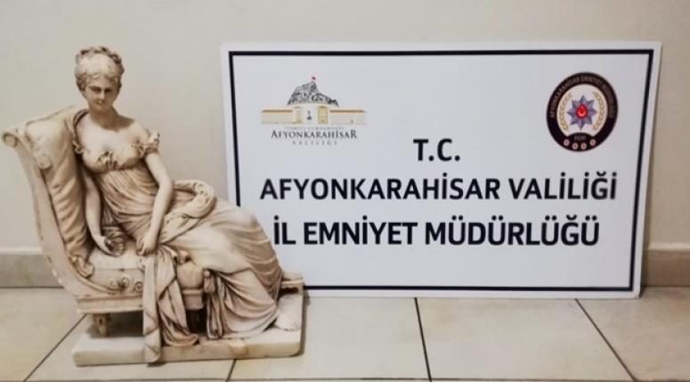 Afyon'da tarihi eser Heykel ele geçirildi !!