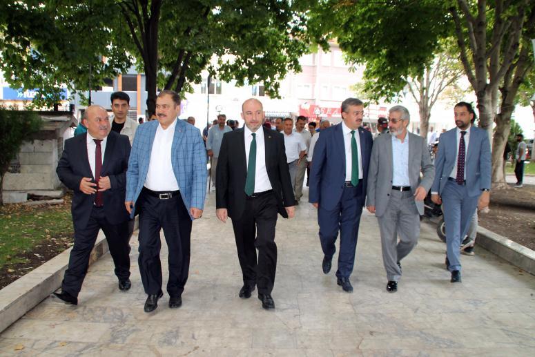 """Veysel Eroğlu ve Yurdunuseven'den """"hayırlı olsun"""" ziyareti"""