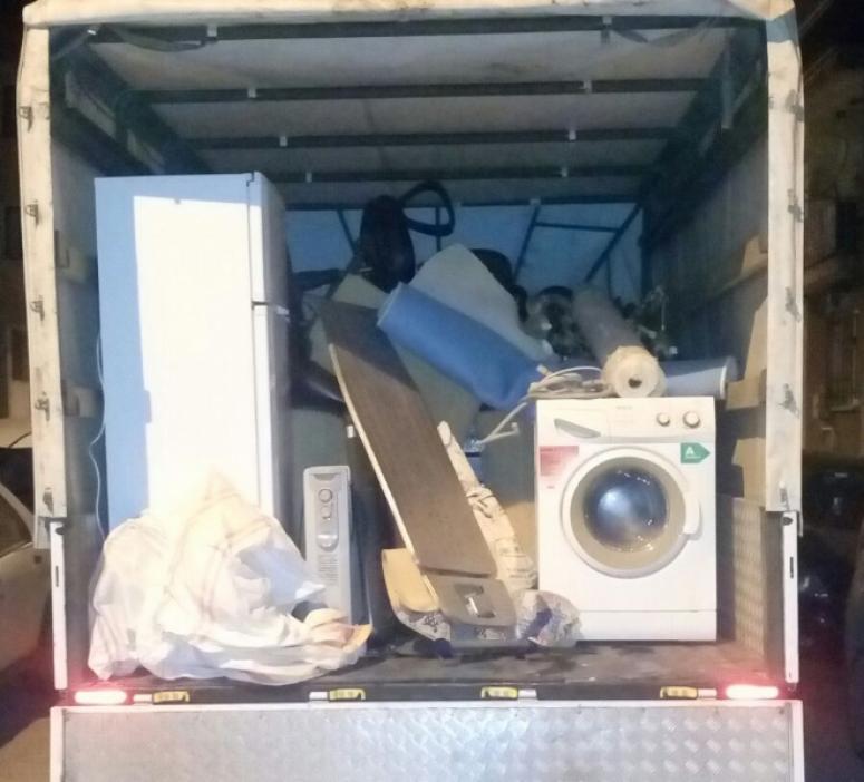Afyon'da Otel inşaatından hırsızlık