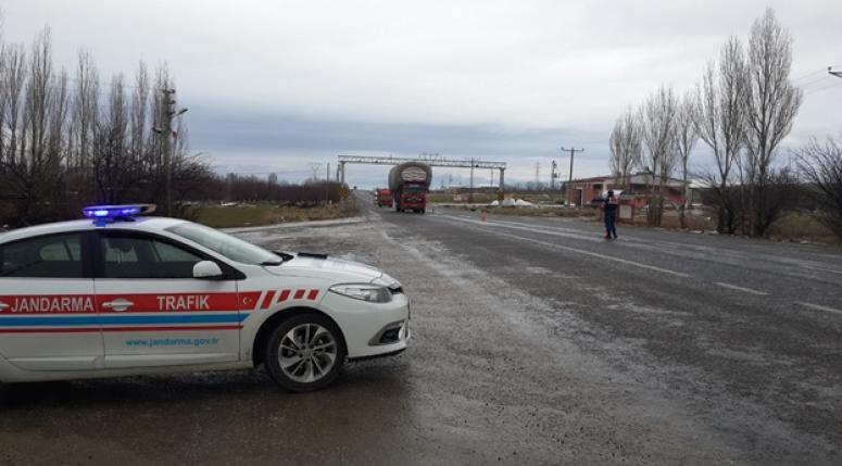 Kurallara uymayan ağır taşıt sürücüsülerine cezai işlem uygulandı