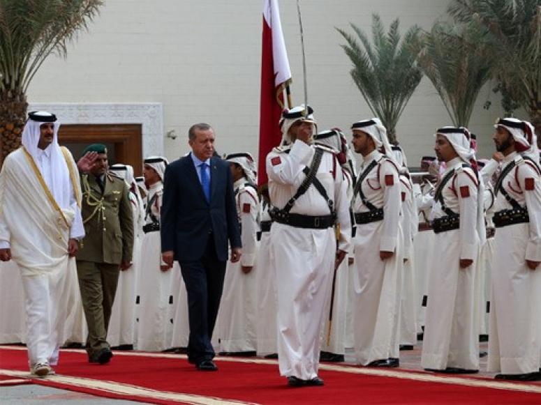 Cumhurbaşkanı Recep Tayyip Erdoğan, Katar Emirlik Divanı'nda