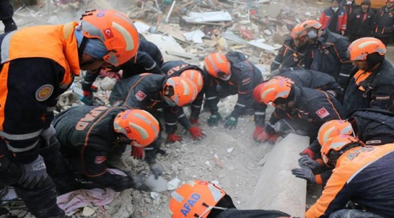 İstanbul Kartal'da çöken bina 16 canımızı aldı