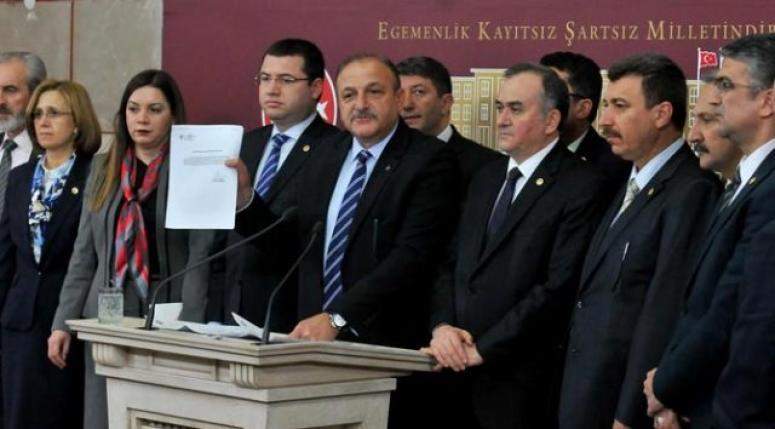 MHP'li Milletvekilleri TBMM'yi terk etti