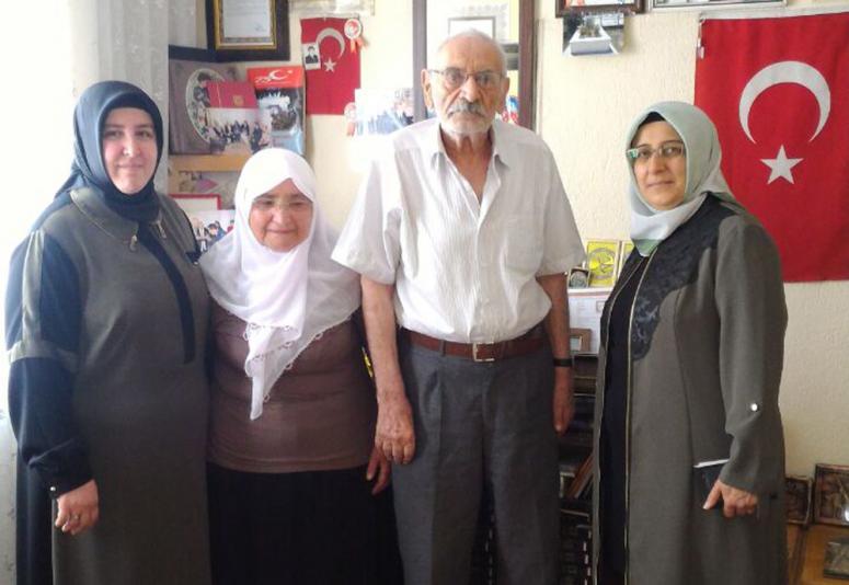 Hatice Özkal'dan en anlamlı babalar günü ziyareti