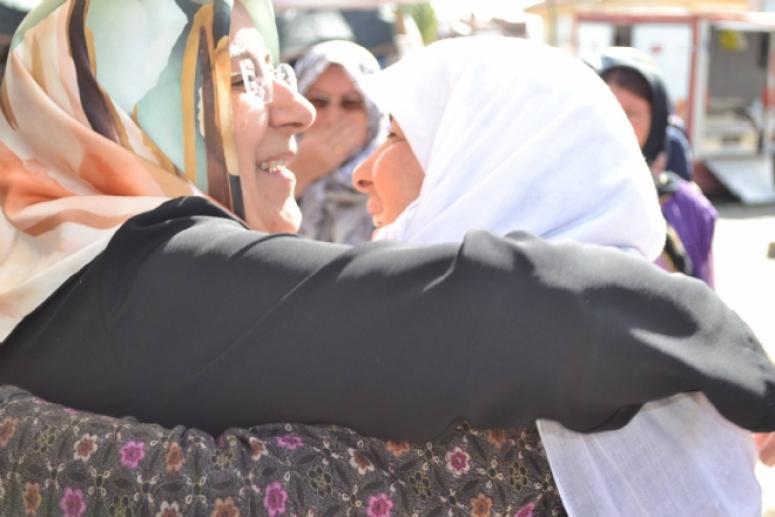 Özkal, tüm kadınların 8 Mart Dünya Kadınlar Günü'nü kutladı