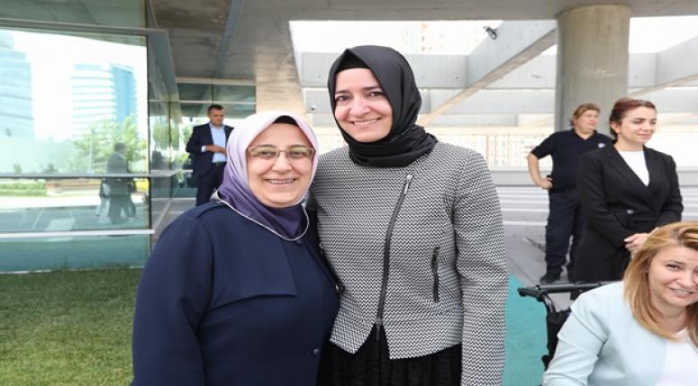 Özkal'dan Bakan Kaya'ya ziyaret