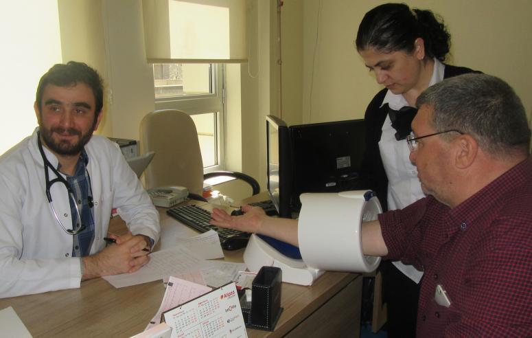 Sandıklı'da yeni doktorlar göreve başladı
