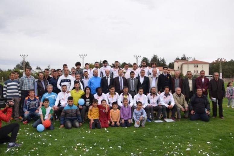 Namağlup Şampiyon Şuhut Belediye Hisarspor'a Kutlama !!!