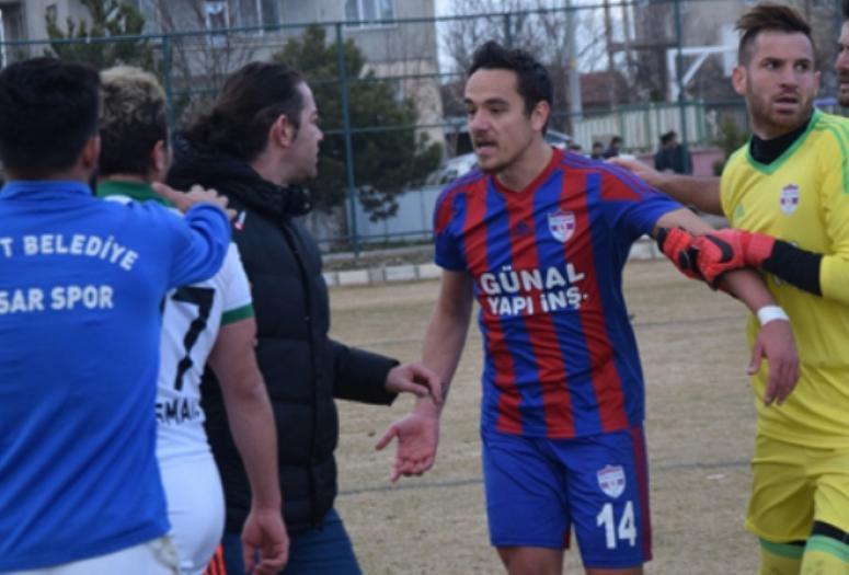 Şuhut Hisarspor maçında olaylar çıktı