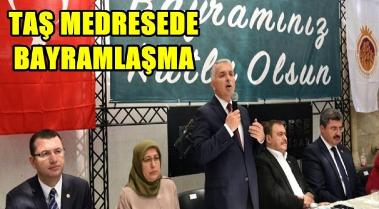 AFYON TAŞ MEDRESE'DE BAYRAMLAŞMA