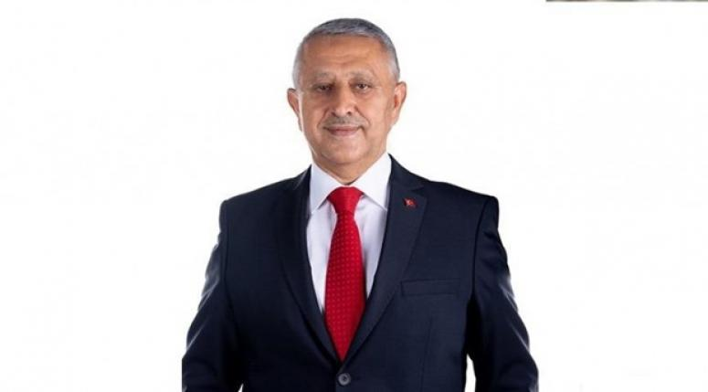 Mehmet Zeybek en yakın rakibi Mahmut Koçak'a 6698 fark attı
