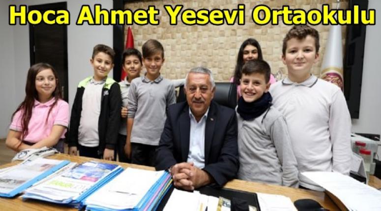 Hoca Ahmet Yesevi Ortaokulu öğrencileri Zeybek'i ziyaret etti