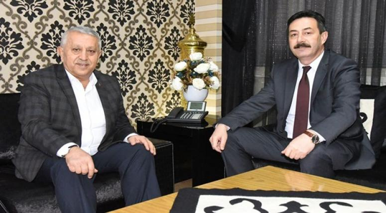 Mehmet Zeybek,Emniyet Müdürü Ali Temiz'i misafir etti !!